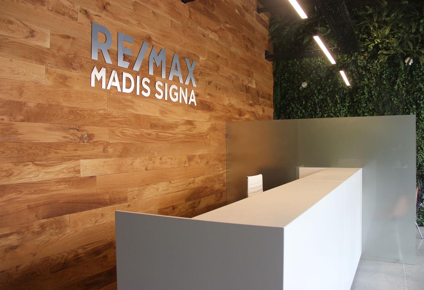 loja remax amoreiras parede soalho naturtec